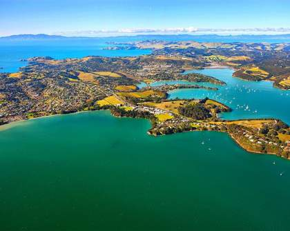 Waiheke Clean-up with Fly My Pretties