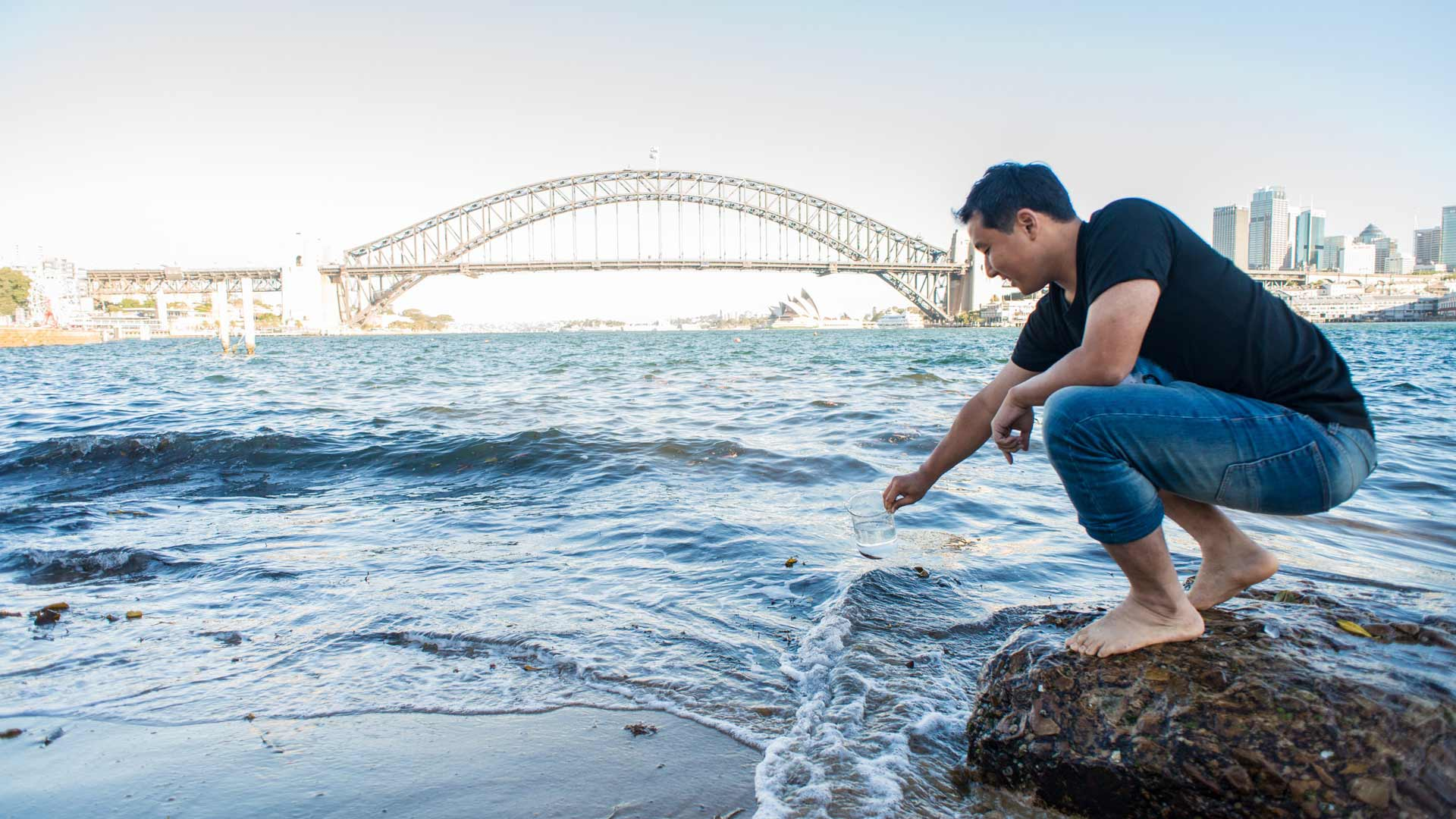 Australian Scientists Have Created a Tiny Filtration Device That Can Make Sydney Harbour Water Drinkable