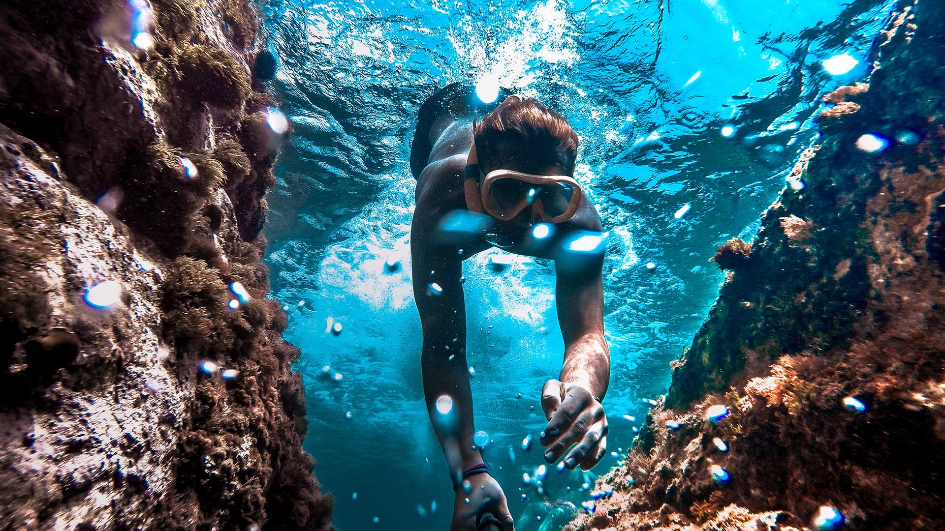 This New Tracking System Will Stop Swimmers and Divers Being Left Behind on the Great Barrier Reef