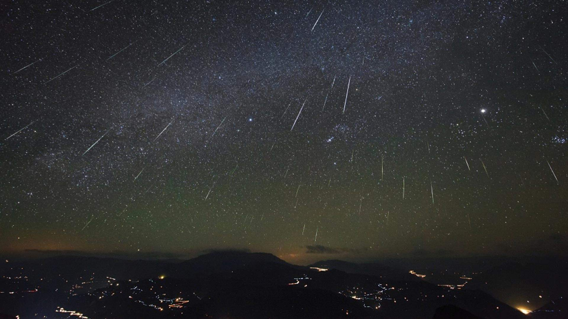The Impressive Geminids Meteor Shower Will Be Visible in New Zealand Next Month