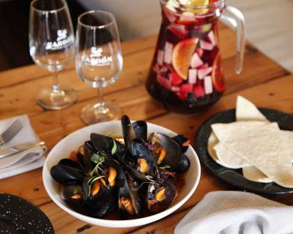 Carbon's Mussels and Sangria Nights